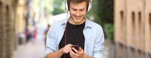 Kelebihan dan Kekurangan Mendengarkan Musik Streaming